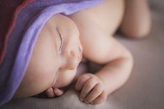 Newborn girl photography. Fotografía beba recién nacida.