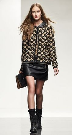 Giacca stampata Scee by Twin Set Leather Skirt, Twins, Chic, My Style, Skirts, Urban, Outfits, Fashion, Winter Fashion Looks