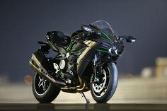 Sport-Touring Ninja H2R incoming. Kawasaki Teaser VIDEO