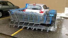 Bad parking job at Maine Walmart earns swift shopping cart justice Memes Humor, Car Memes, Funny Texts, Funny Jokes, Walmart Shoppers, Good Pranks, Picture Fails, All Hero, Thing 1