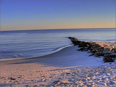 Google Image Result for http://www.boston.com/community/photos/raw/Peaceful_Beach.jpg