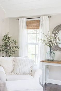 Cozy Modern Farmhouse Sunroom Decor Ideas