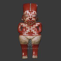 DEESSE CHUPICUARO DEBOUT CHUPICUARO – Guanajuato – Michoacan – Mexique 600 – 100 AV. J.-C. Hauteur : 44,8 cm Largeur : 20 cm Epaisseur : 8,7 cm