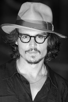 Johnny Depp attends the Tokyo Premiere of 'Pirates of the Caribbean: Dead Man's Chest' on July 2006 in Tokyo, Japan. The film will open on July 22 in Japan. Young Johnny Depp, Here's Johnny, Beat Generation, Jack Kerouac, Hollywood Actor, Hollywood Celebrities, Hot Actors, Actors & Actresses, Barba Van Dyke
