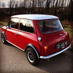 with fog light and reverse light What do you think ? #mini #austinmini #classicmini #minicooper #cooper #1989 #classiccar #bmc #oldmini #ukminis #rovermini #vintagecar #england #ohsoretro