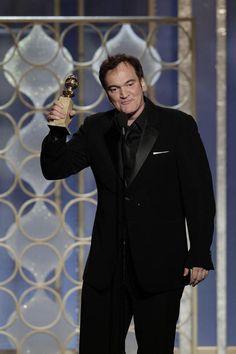 Quentin Tarantino dopo aver ricevuto il Golden Globe per la miglior sceneggiatura da film per il suo Django Unchained, Los Angeles, USA, 13 gennaio 2013.