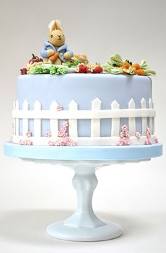 Beatrix Potter cake. Would be great for Read Across America week as her birthday is that week also