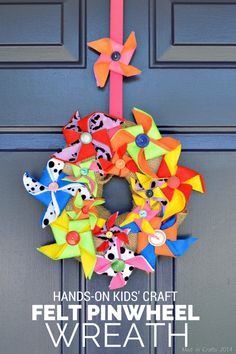 Use felt and a foam wreath to create a colorful DIY pinwheel wreath. Burlap Crafts, Felt Crafts, Paper Crafts, Diy Crafts, Wreath Crafts, Decor Crafts, Spring Crafts For Kids, Summer Crafts, Craft Projects