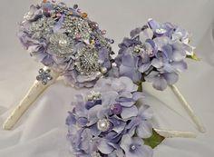 Lavender Hydrangea with Matching Bridesmaid Bouquets #BroochBouquet #WeddingBouquet