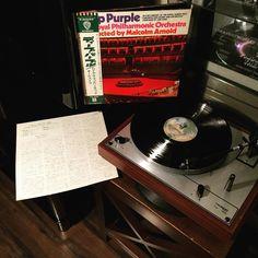 Do your self a favor and pick this up if you wanna hear some of Blackmore's sickest rock soling ever put on wax! Seriously .... #deeppurple #theroyalphillarmonicorchestra #malcomarnold #concertoforgroupandorchestra #warnerbrothersrecords #japan #1977 #jonlord #ritchieblackmore #japanpress #obi #vinyl #vinyladdict #vinylmation #vinyljunkie #vinylschallplatte #vinylcollectionpost #vinylcommunity #12inch #recordcollector #records #nowspinning #instavinyl #igvinylclub by mem_descends