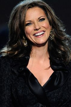 Martina McBride - proof that powerful things come in small packages! Martina Mcbride, Country Music Awards, Country Music Artists, Country Women, Country Girls, Hottest Female Celebrities, Celebs, Country Female Singers, Kansas