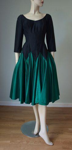 1950s Blue Silk Crepe Cocktail Dress CURVY FIGURE SM waist Sophisticated and Elegant