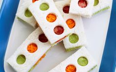Traffic light sandwiches recipe - By Good Food, These colourful sandwiches are a fun way to get the kids to eat their veggies and ensure lunchboxes come home empty. Food Art Lunch, Light Sandwiches, School Lunch Box, School Lunches, Michael S, Light Snacks, Good Food, Yummy Food, Traffic Light