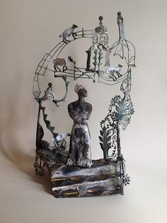 & Time Stood Still . , by Zoe Rubens Wire Wall Art, Figurative Kunst, Mobiles, Art Therapy Projects, 3d Fantasy, Ap Art, Recycled Art, Installation Art, Sculpture Art
