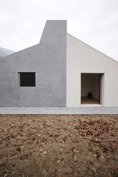 Wiggly House is a unique, geometric form located in Como, Italy, not far from Milan. Designed by Milan based studio, ifdesign, this modern structur...