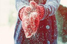 santa-kisses:  spreading christmas joy :)