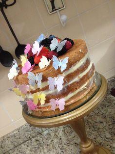 Bolo de borboletas! (Naked cake)
