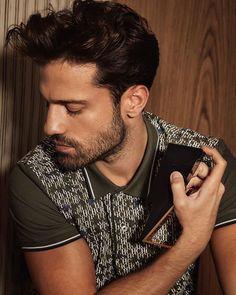 "Konstantinos Argiros on Instagram: ""𝚂𝚖𝚎𝚕𝚕𝚜 𝚕𝚒𝚔𝚎 ""𝙲𝚑𝚛𝚒𝚜𝚝𝚖𝚊𝚜"" ____  @carolinaherrera ⚡️ #goodtobebad #badboycarolinaherrera  #Argiros"""