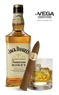 Bolivar Belicoso and Jack Daniel's Honey, great pairing.