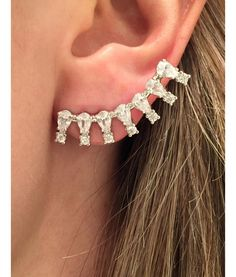 Compre Ear cuff semijoia prata e zirconias brancas Demi na Waufen Semijoias e Bijuteiras Finas com ✓ Entrega Rápida e Segura ✓ Pgto em até 12x ✓ Frete Grátis a partir de 300 reais em compras.