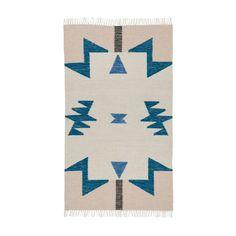 Was für ein Hingucker! Nein, es ist keine Decke sondern ein Teppich! Gut kombinierbar mit anderen Farbe. Legen Sie ihn neben der Couch oder im Schlafzimmer. Di