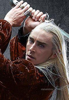 Lee Pace as Thranduil in The Hobbit movies Legolas Und Thranduil, Lee Pace Thranduil, The Hobbit Movies, O Hobbit, Elf Armor, Elf King, Elf Costume, Elvish, Middle Earth