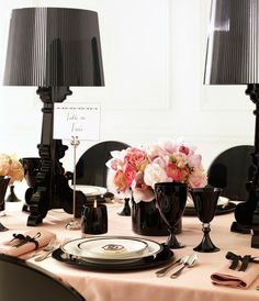 loving this concept - black and baby pink   #idea #tablescape