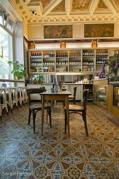 """la salumeria Köpenicker Straße 183 10997 Berlin """"Salumeria Lamuri"""" ist ein italienischer Feinkostladen, gefüllt mit Delikatessen, Weinen, Panini, Kuchen und Pasta.  Montag – Freitag 9-17h/18h Samstag 11-17h/18h"""