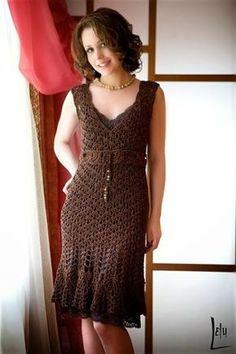 crochelinhasagulhas: Vestido marrom de crochê                              …