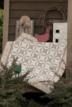 A good neutral quilt. (Farm Girl Quilts by Martingale/That Patchwork Place) Neutral Quilt, Grey Quilt, Quilting Projects, Quilting Designs, Sewing Projects, Circle Quilts, Quilt Blocks, Two Color Quilts, Planners