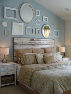 Headboard wall decoration can transform the look and feel of your bedroom. Headboards are a great way to tie your bed design in with the rest of your bedroom furniture. You can either buy a simple readymade one or you can DIY with what you have to ma Vintage Bedroom Decor, Home Decor Bedroom, Master Bedroom, Vintage Bedrooms, Diy Bedroom, Bedroom Furniture, Bedroom Wall, Vintage Furniture, Vintage Room