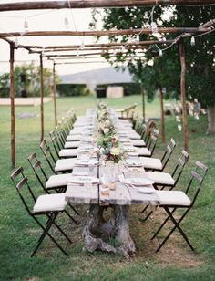 Simple and casual yet elegant and stylish, a great option for summer weddings