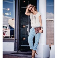 jeans & white top with statement accesosories