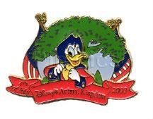 """Disney's Donald Duck WDW - July 4th- Patriotic Animal Kingdom Pin/Pins   WDW - July 4 2000 - Donald at Animal Kingdom A two layer pin. In the foreground is Donald Duck in circa 1776 garb. Beneath him is red banner reading """"4th of July, Disney's Animal Kingdom, 2000"""" Behind him is the Tree of Life with American flags on either side."""