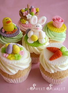 Easter cupcakes by sweet scarlet Easter Cupcakes, Easter Cookies, Yummy Cupcakes, Easter Treats, Spring Cupcakes, Vanilla Cupcakes, Mocha Cupcakes, Gourmet Cupcakes, Easter Cake
