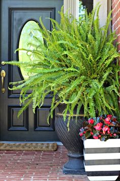 Dimples and Tangles: BLOGGER STYLIN' HOME TOURS: SPRING EDITION