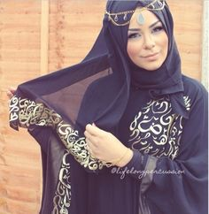 Lifelong Percussion in Calligraphy Decorated Abaya