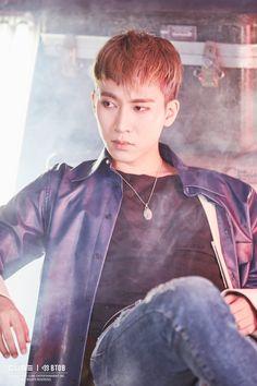 "[Star cast] of BtoB Eunkwang back with a new look ""NEW MEN"" behind jacket shoot! Naver Entertainment: TV"