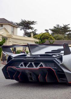Lamborghini Veneno - Impressive rear view
