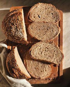 Vermontský chlieb s kváskom Lievito madre - Kváskovanie s Lievito madre Catering, Pizza, Bread, Baking, Food, Basket, Catering Business, Gastronomia, Brot