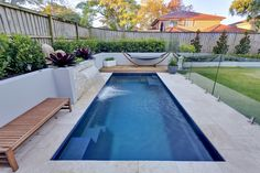 Swimming Pool Design Ideas is based on what can be done with the space in the backyard or garden. A backyard that is too big can be cramped; backyard big Beautiful Minimalist Swimming Pool Design Ideas In Backyard on Small Space on Budget Small Backyard Pools, Backyard Pool Landscaping, Backyard Pool Designs, Swimming Pools Backyard, Swimming Pool Designs, Outdoor Pool, Pool Fence, Courtyard Pool, Fence Garden