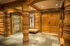 UGLA - Noen ganger går drømmer i oppfyllelse. Wooden Architecture, Winter Wonderland, Real Estate, Cabin, Furniture, Home Decor, Decoration Home, Room Decor, Real Estates