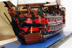 Lego Pirate Ship, Lego Ship, Pirate Ships, Lego Design, Legos, Bateau Lego, Lego Boot, The Hobbit Game, Amazing Lego Creations