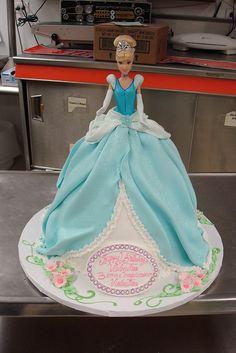28 trendy Ideas for doll dress cake princess birthday Barbie Torte, Bolo Barbie, Barbie Cake, Birthday Cake Girls, Princess Birthday, 3rd Birthday, Fancy Cakes, Cute Cakes, Yummy Cakes