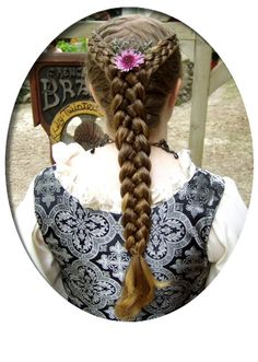Five strand braid into a five strand tail - French Braids by Twisted Sisters: http://www.frenchbraidsbytwistedsisters.com/melgal.html