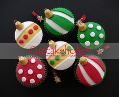 Christmas Baubles Cupcakes