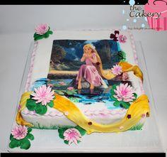 RAPUNZEL SQUARE CAKE