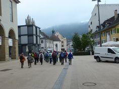 Wanderung am 04. Oktober: Durch die menschenleere Einkaufsstrasse in Bregenz geht es zur Pfänderbahn