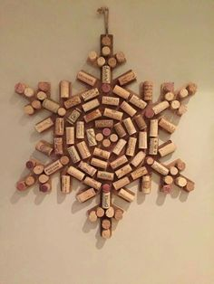 Crafts with corks. Christmas Crafts for kids. Christmas wine cork crafts: 11 christmas diys that'll make you go aww 5 Wine Craft, Wine Cork Crafts, Wine Bottle Crafts, Champagne Cork Crafts, Champagne Corks, Holiday Crafts, Fun Crafts, Christmas Crafts, Christmas Ornaments