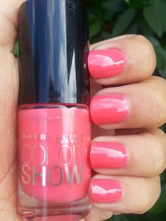 ChassyCali - Maybelline Color Show Nail Lacquer in Coral Crush